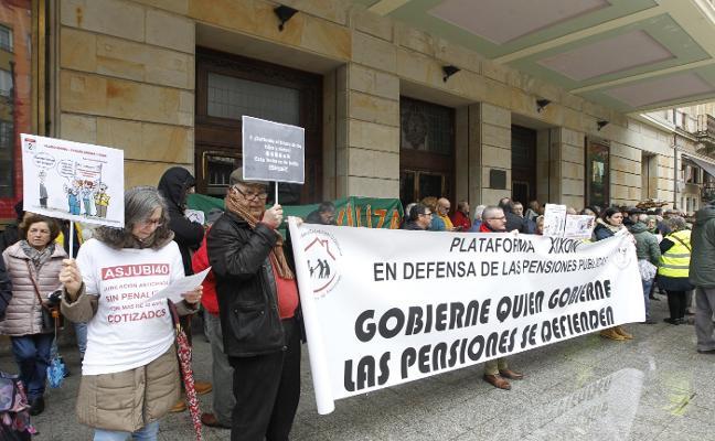 «No abandonaremos la pelea en la calle», advierten los pensionistas asturianos