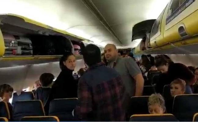 Indignación entre los asturianos atrapados 26 horas en un vuelo en Praga