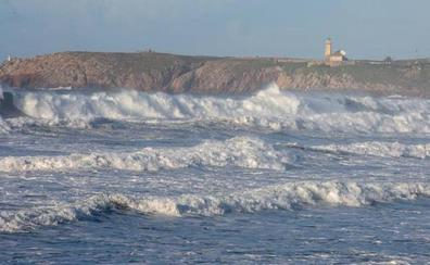 Alerta por fuerte oleaje en Asturias