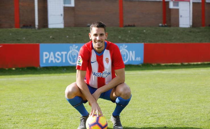 Álex Alegría ya está en el Sporting