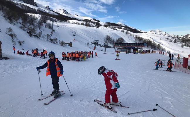 Aller y el Valle de Arán intercambian experiencias para el impulso del esquí