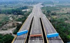 Maduro bloquea la llegada de ayuda humanitaria a Venezuela