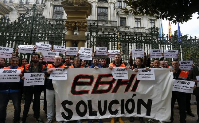 La plantilla de la EBHI pide ante la Junta la equiparación salarial