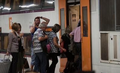 Al menos un muerto y ocho heridos en un choque de dos trenes de Cercanías en Barcelona