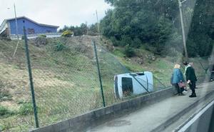 Dos accidentes de tráfico en Trasona y La Plata