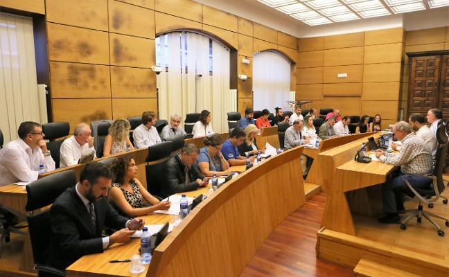 Los grupos municipales de Siero destinan el 51% de sus aportaciones a los partidos
