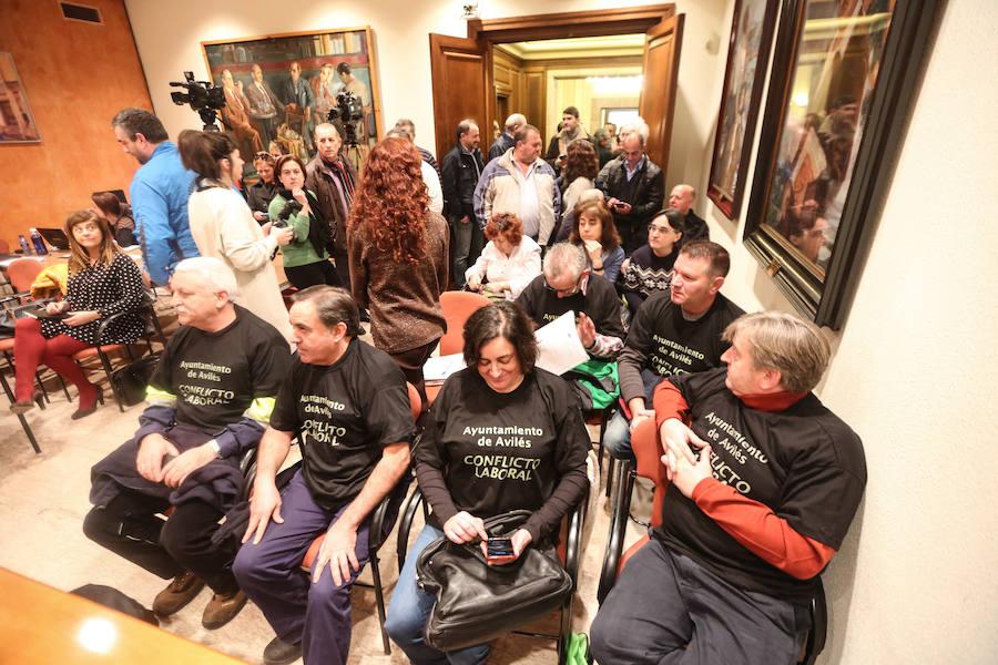 El Ayuntamiento cesa a otros tres interinos con décadas de servicio
