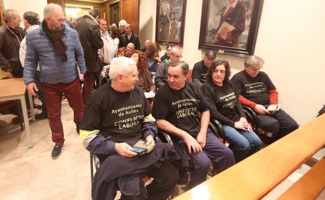 Los sindicatos municipales denuncian tres nuevos despidos