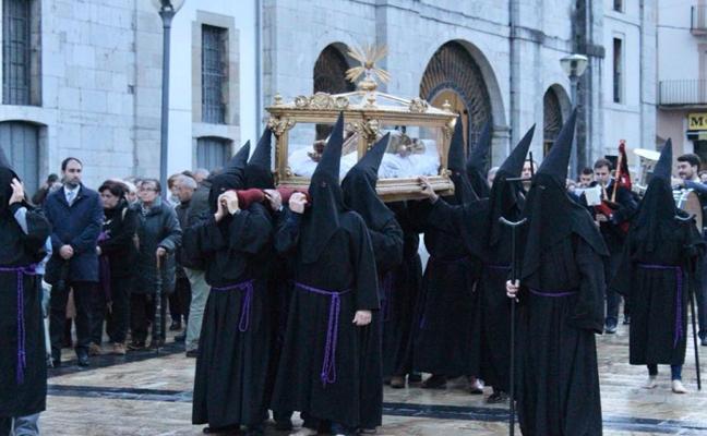 Pravia estrenará Cofradía del Santo Entierro en la Semana Santa