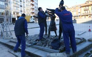 Siero envía al taller el Monumento al Carmín