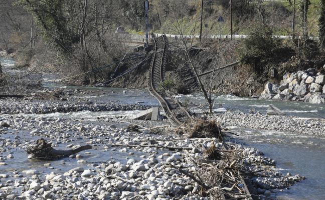 Comienzan las obras «de emergencia» para reparar las vías de Feve en Aller