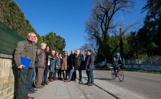 Vecinos de El Resbalón denuncian el «abandono» por parte del Ayuntamiento