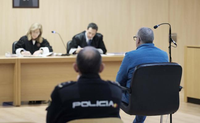 Un acusado de traficar con cocaína y hachís acepta cuatro años de prisión