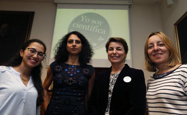 Científicas de distintas nacionalidades hablan de sus experiencias