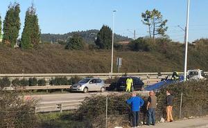 Dos heridos al esquivar a un kamikaze en la autovía en Corvera