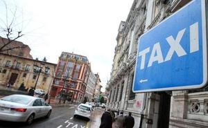 Dos asociaciones niegan presiones a los taxistas que respaldan el sistema de descansos