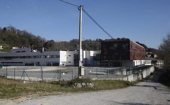 El alcalde critica el «engaño» con el centro neurológico de Langreo