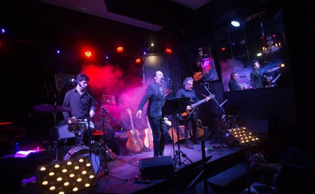 Las baladas en acústico de Diego Vasallo suenan por primera vez en Avilés