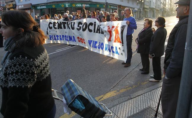 Los vecinos de El Cristo mantienen su movilización por el centro social