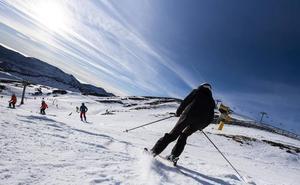 El buen tiempo anima las estaciones de esquí asturianas