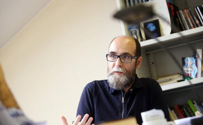 Javier García Rodríguez presenta en el Aula de Cultura su libro 'Mi vida es un poema'