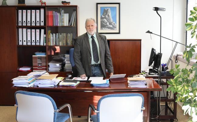 «Aún habrá dos o tres años difíciles de escasez de médicos en determinadas especialidades»