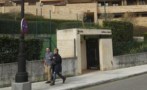 La Policía investiga el robo de nueve trasteros y un coche de un edificio en El Cristo