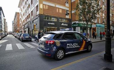 Los barrios reclaman un aumento de la plantilla de la Policía comunitaria
