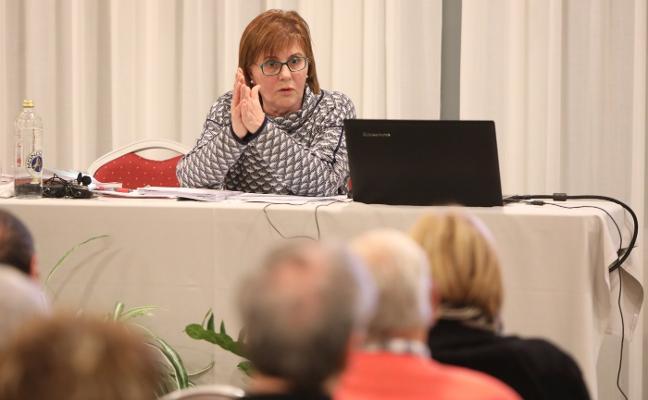 Pilar Varela defiende organizar ciudades 'amigas' para los mayores