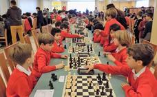 El torneo Escolar gijonés reúne a 250 jóvenes