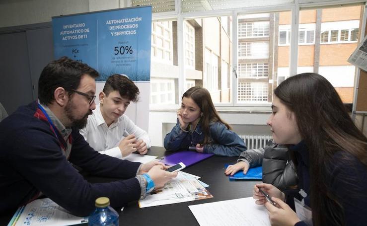 130 alumnos del Montedeva conocen de primera mano diversas actividades profesionales
