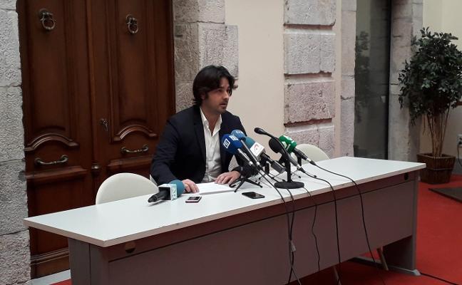 El alcalde de Llanes pide «respeto» y «empatía» con la familia del concejal de Llanes Javier Ardines
