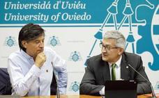«Otín es el buque insignia de la Universidad de Oviedo», le defiende el rector