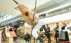 Intu acoge el mayor encuentro de mascaradas de invierno de Asturias