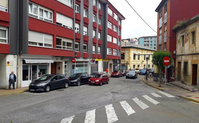 Los vecinos de la calle Carlos Albo de Candás anuncian movilizaciones