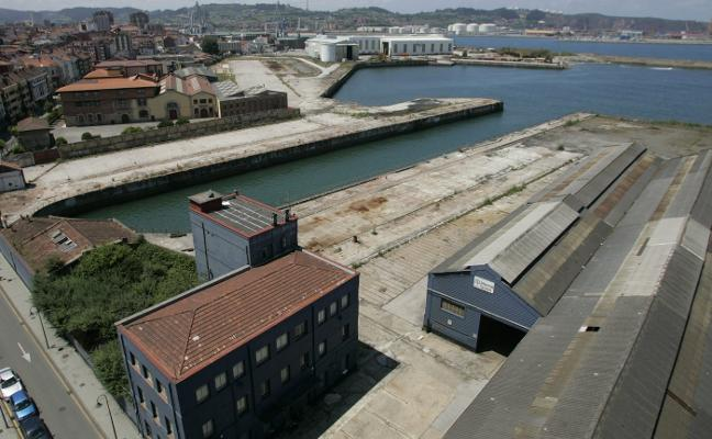 La Autoridad Portuaria vuelve a sacar a subasta la parcela del astillero de Naval Gijón