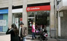 Vodafone llega a un acuerdo con los sindicatos y rebaja el ERE a 1.000 empleados