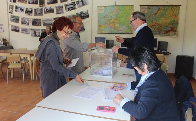 Rosa Pérez y Berto Ordieres, nuevos alcaldes pedáneos en Villaviciosa