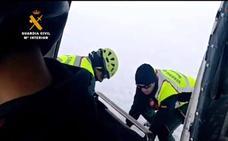 El Greim de Potes recupera el cuerpo del esquiador cabraliego