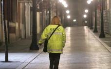 Los serenos de Oviedo podrán retener a sospechosos de maltrato y ayudarán a personas sin techo