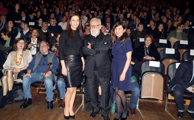 Gonzalo Suárez llena El Prado con 'El sueño de Malinche'