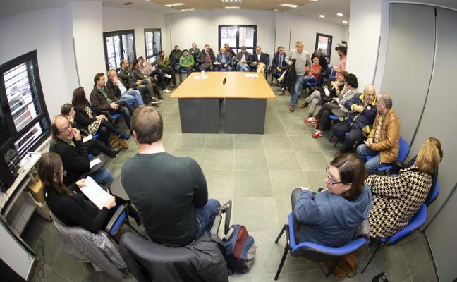La plataforma por el plan de vías de Gijón eleva la presión sobre Fomento y Principado