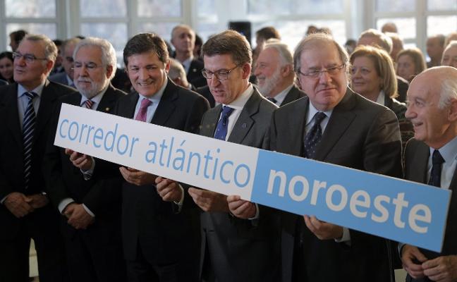 Fernández presenta en Madrid el Corredor Noroeste como ejemplo de alianza política