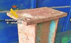 Dos detenidos y un investigado por sustraer vigas de hierro de un recinto en obras en Morcín