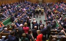 El Parlamento ata a May al voto de una prórroga