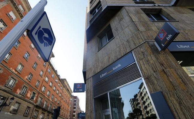 El reparto de peso y poderes, último escollo en la fusión de Liberbank y Unicaja