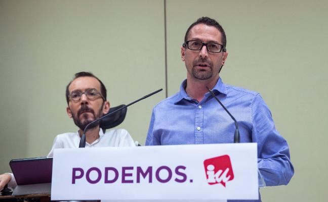 La confluencia de Podemos e IU para las elecciones generales reaviva la guerra en Asturias