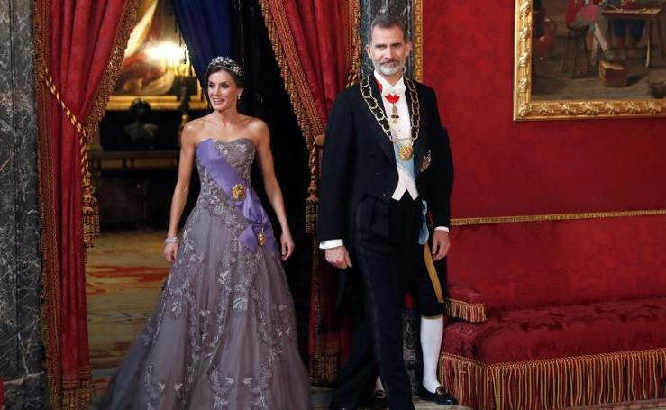 La Reina Letizia rescata uno de sus míticos vestidos