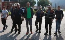 Los subcontratados de Hunosa denuncian el despido de los cuatro mineros encerrados en el pozo Santiago