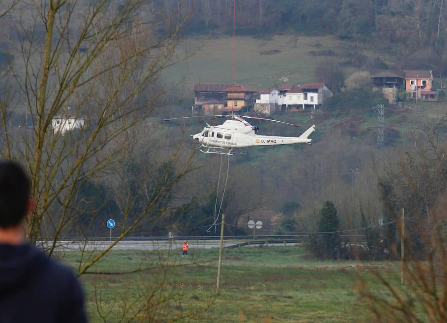 Recuperan el helicóptero accidentado en Belmonte